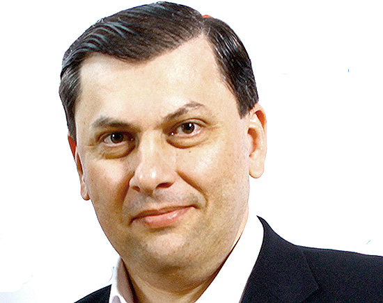 Арзум Арзуманян — президент российской Национальной Ассоциации дверной индустрии (НАДИ), генеральный директор ООО «Д.Крафт»