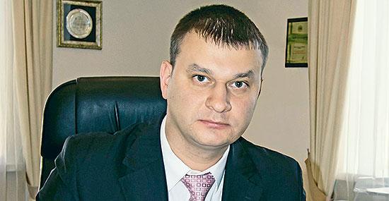 Во главе тюменского деревообрабатывающего комбината «Красный Октябрь»  акционеры поставили Сергея Кулакова, занимавшего прежде должность первого заместителя гендиректора ДОКа